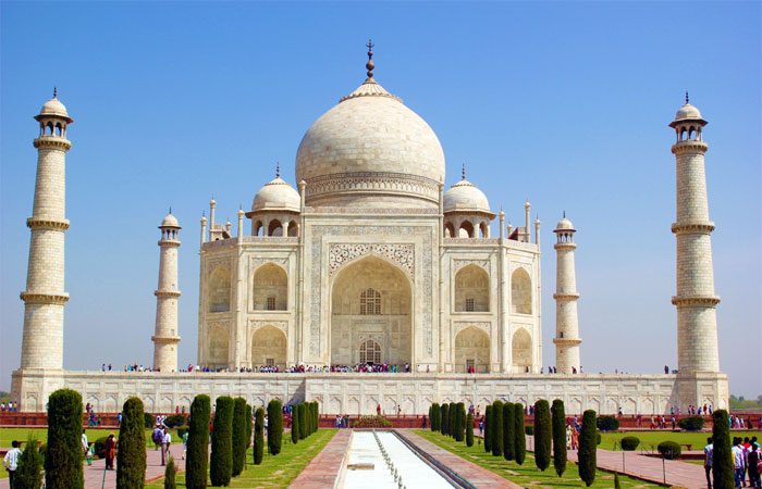 India a Travellers Paradise - Iconic Taj Mahal