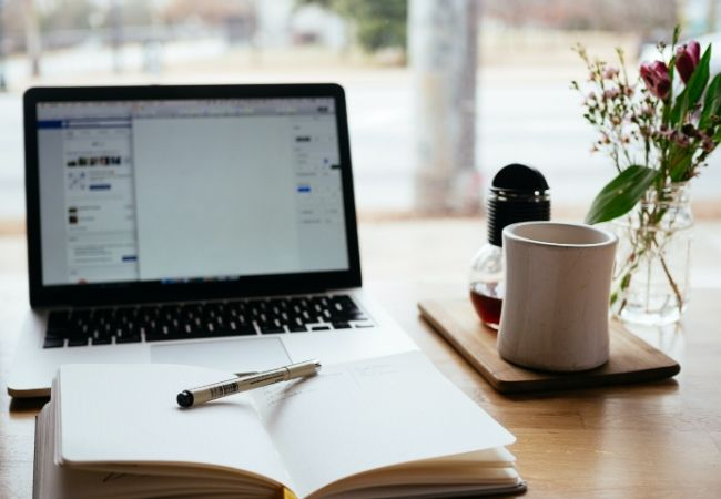 Freelance Writer or Full Time Writer?